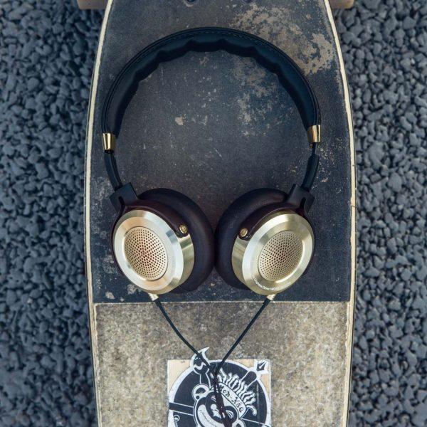 headphone-09-b