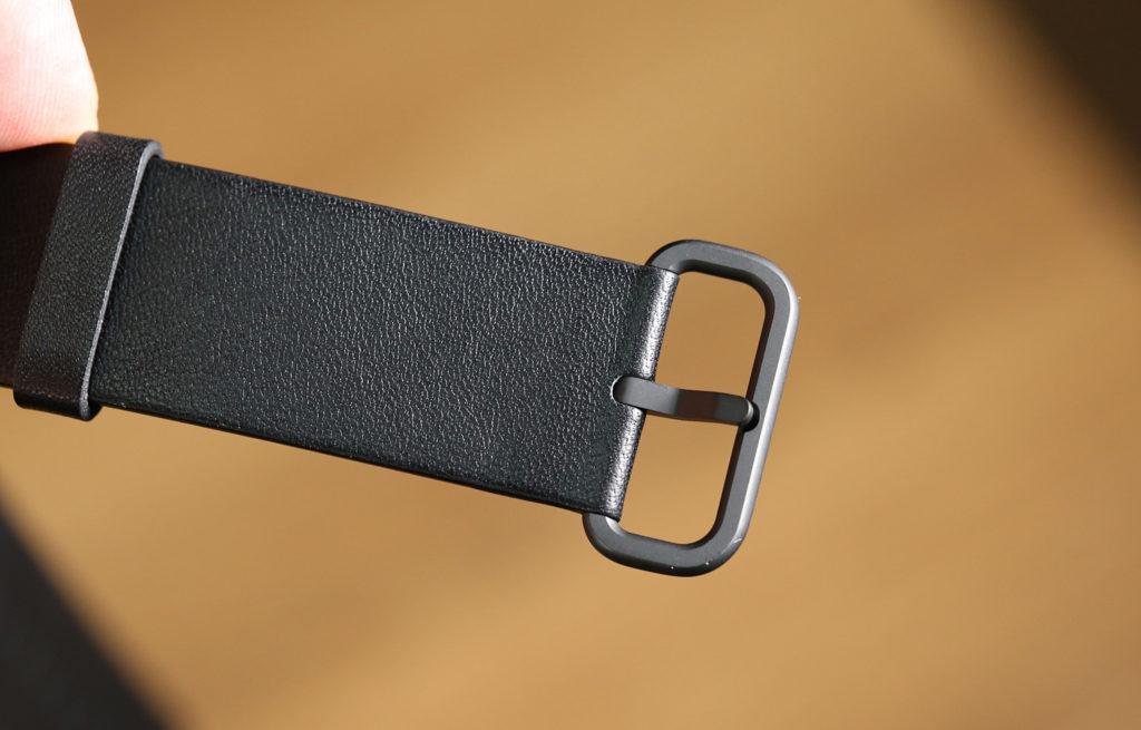 montre connectée cuir
